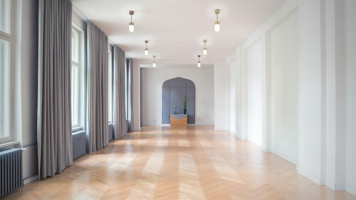 kostenlose abschlussklassen spirit yoga berlin. Black Bedroom Furniture Sets. Home Design Ideas