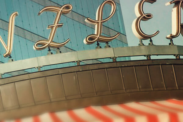 Spirit Yoga auf der Dachterrasse von The Barn – Café Kranzler
