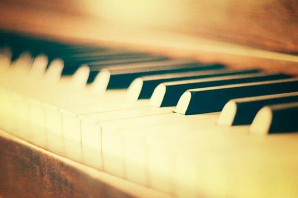 Spirit Yoga Open Heart Ceremony mit Piano
